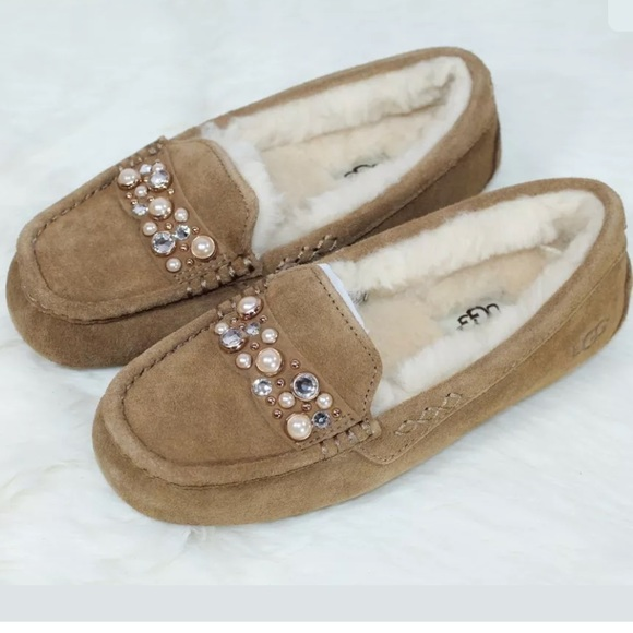 0aa8b114a33c UGG ANSLEY BRILLIANT CHESTNUT MOCCASIN SLIPPERS